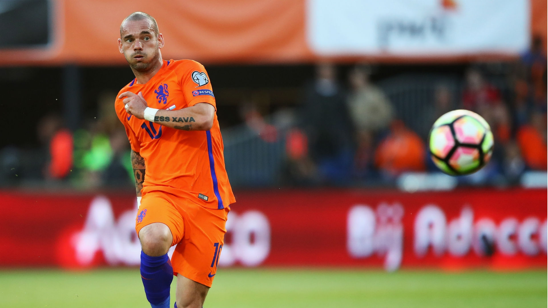Sneijder set to sign for Nice following Galatasaray split